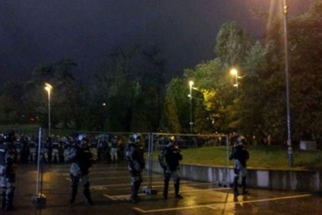 Navijači Bešiktaša lupali autobuse u Beogradu