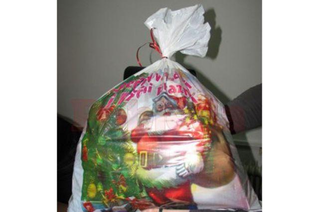 Studenti prikupljaju slatkiše i igračke za paketiće