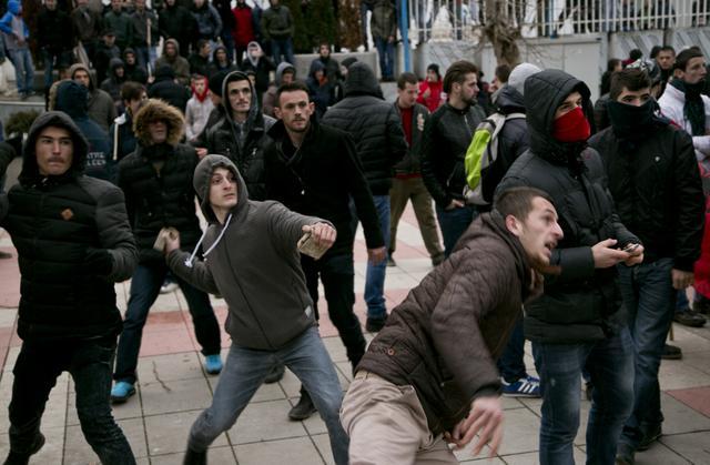 Napad na srpske novinare u Prištini