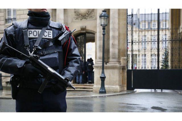 Pariz: Ranjena policajka ispred rezidencije francuskog predsjednika