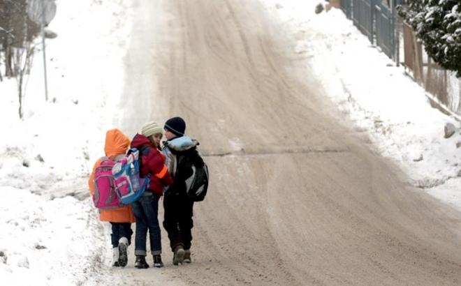 Učenike u prigradskim osnovnim školama čekaju hladne učionice?