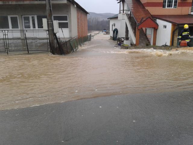 Poplave na jugu Srbije (FOTO)