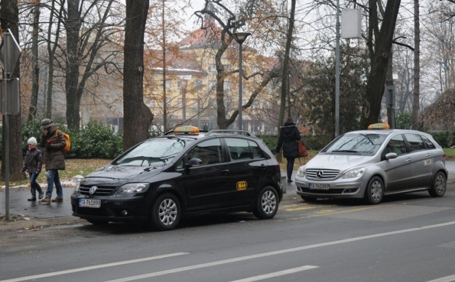Banjalučki taksisti: Skupština da poništi odluku, nećemo istu boju vozila