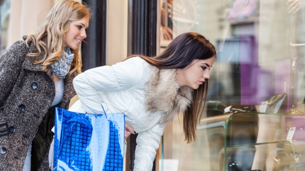 Kad žene najviše kupuju i zašto baš tad
