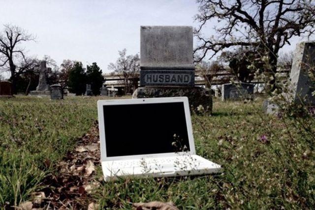 Dobra reklama: Amerikanac prodaje ukleti laptop, nude mu hiljade dolara