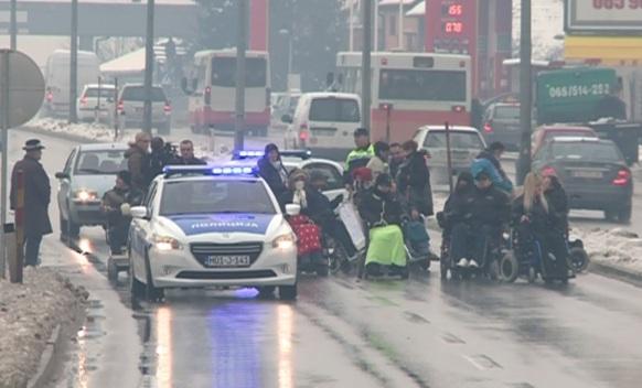 Banjaluka: Distrofičari blokirali Zapadni tranzit