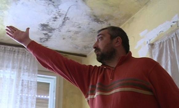 Obilićevo: Kuća porodice Krstović puna vlage, počela je da tone