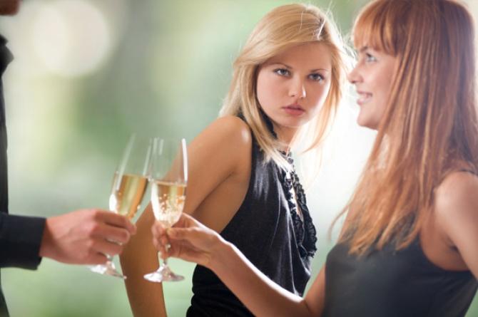 Da li je žena ženi vuk: Na meti uglavnom uspješne i voljene