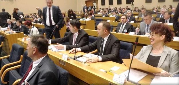 Opozicija napustila sjednicu NSRS na početku rasprave o Nacrtu zakona o javnom redu i miru