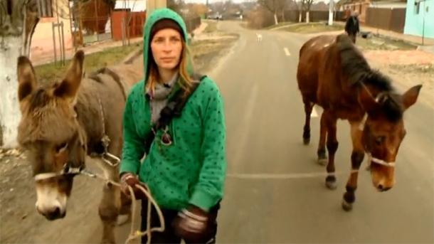 Putuje Evropom sa dva magarca, bila i na našim prostorima