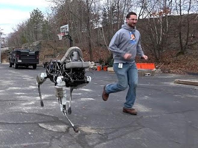 Gugl napravio prvog robota-psa (VIDEO)