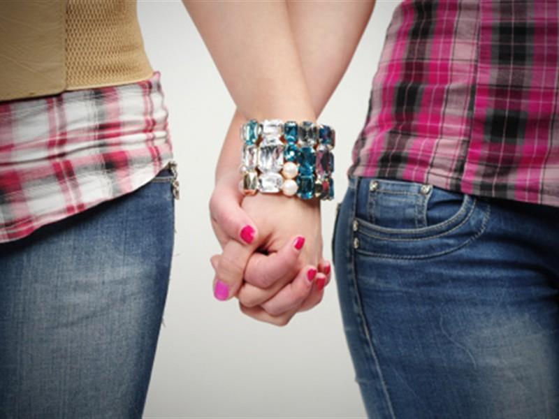 Slovenija dozvolila sklapanje braka i usvajanje djece gej parovima