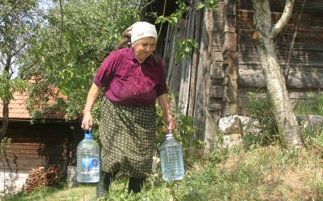 Presušila vrela: Na Manjači žedni i ljudi i stoka