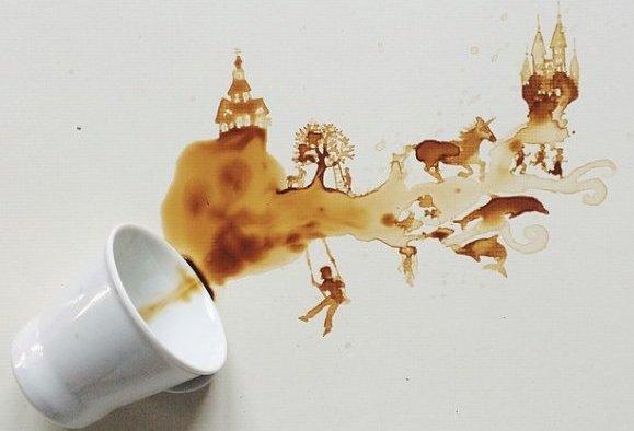 Prosipa kafu i pravi umjetnička djela (FOTO)