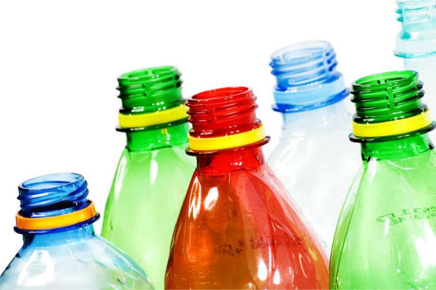 Rusija zabranjuje prodaju alkohola u plastičnoj ambalaži