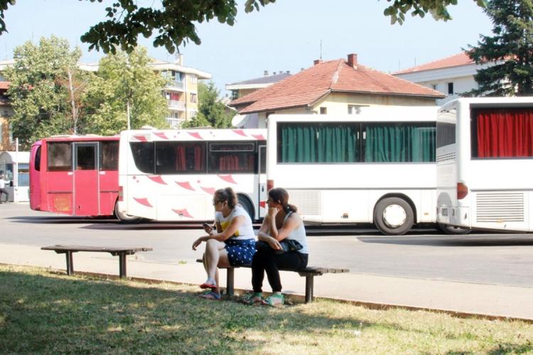 Autobus za Drakulić čekaju po sat vremena