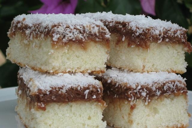 Crno-bijeli kokos kolač