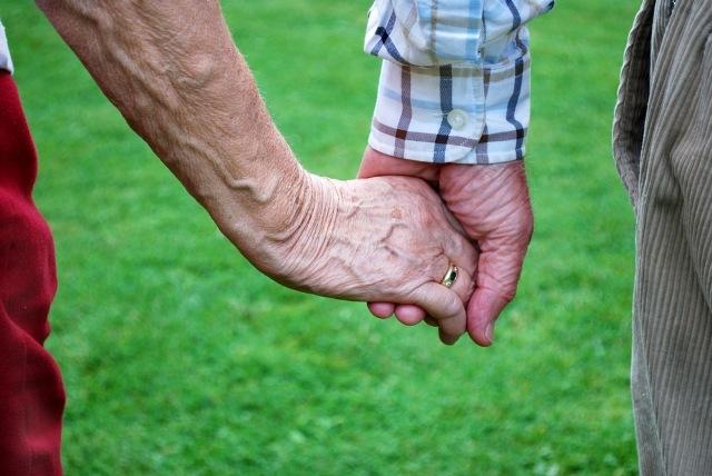 """Ljubav: Baka (92) sa """"momkom"""" pobjegla iz staračkog doma"""