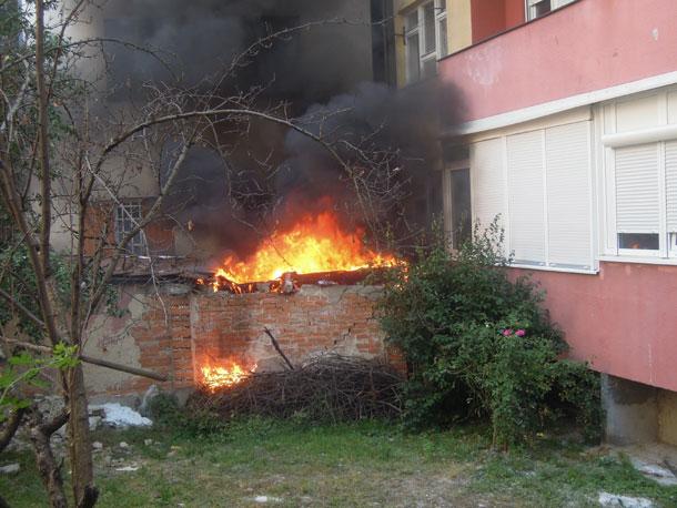 Gorjela garaža u centru Banjaluke