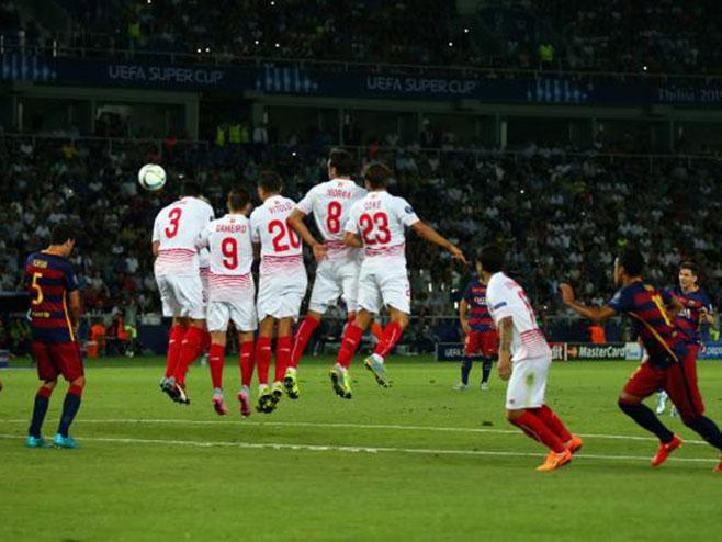 Tri gola iz slobodnjaka, penal i produžeci u sjajnoj utakmici Superkupa Evrope (VIDEO)