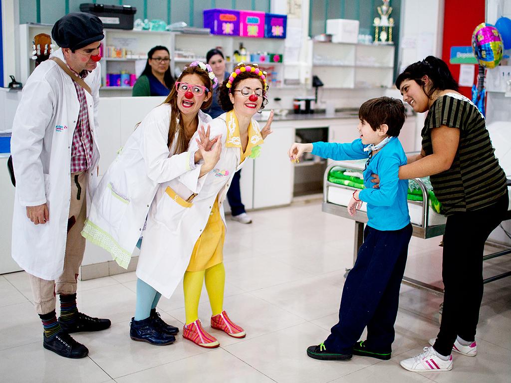 Buenos Ajres: Klovnovi na pedijatrijskim odjeljenjima zabavljaju djecu