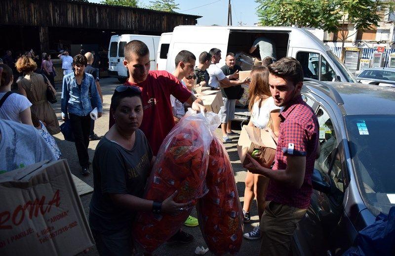 Izbjeglicama u Beogradu stiglo pet tona hrane iz Sarajeva