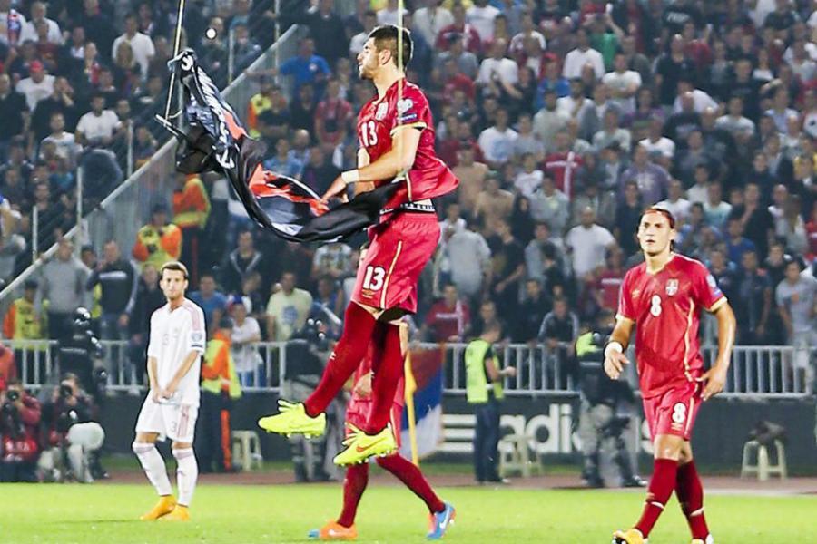 Treba imati želudac pa gledati Albanija-Srbija (DRON vs ORAO)