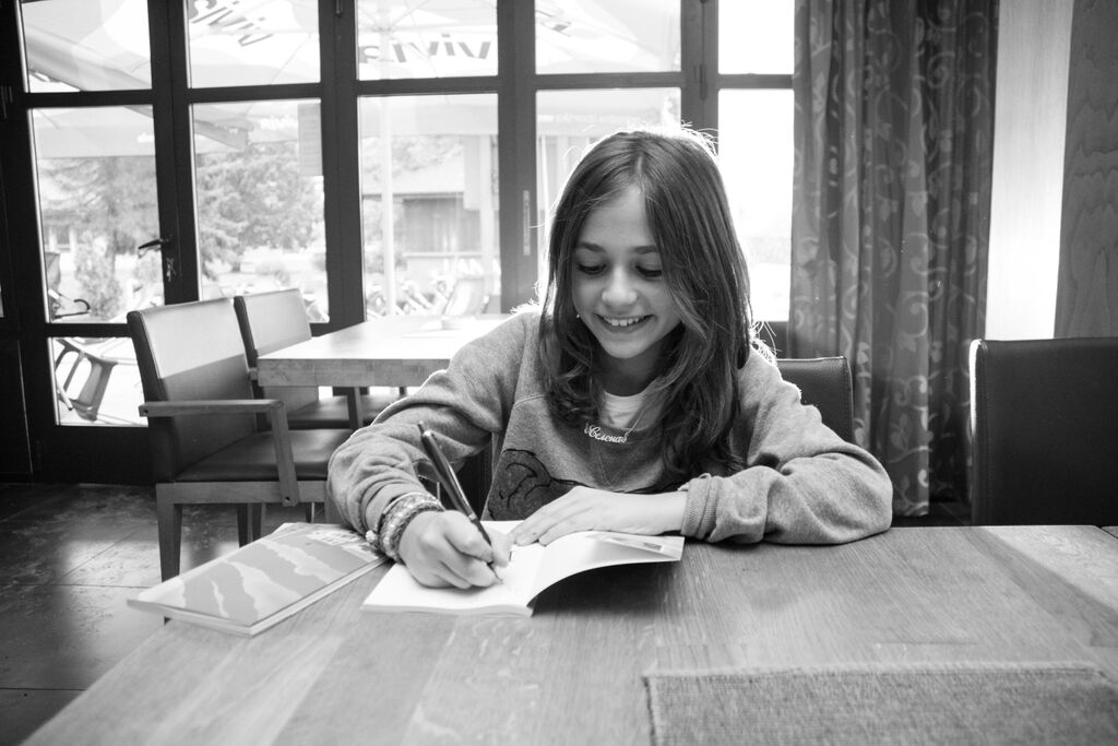 Jedanaestogodišnja pjesnikinja iz Banjaluke promovisala prvu knjigu
