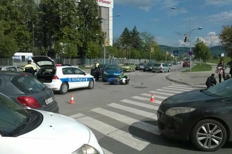 Sudar u Banjaluci: Motociklista povređen, saobraćaj se odvija otežano
