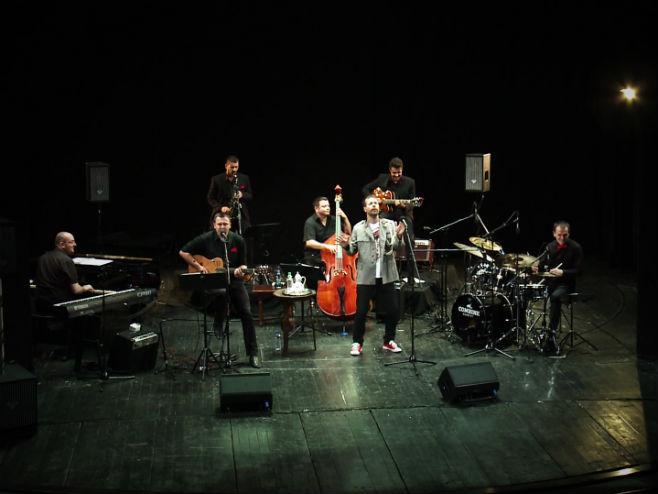 Jazz poesy cabarret nastupa u Strazburu 9. novembra