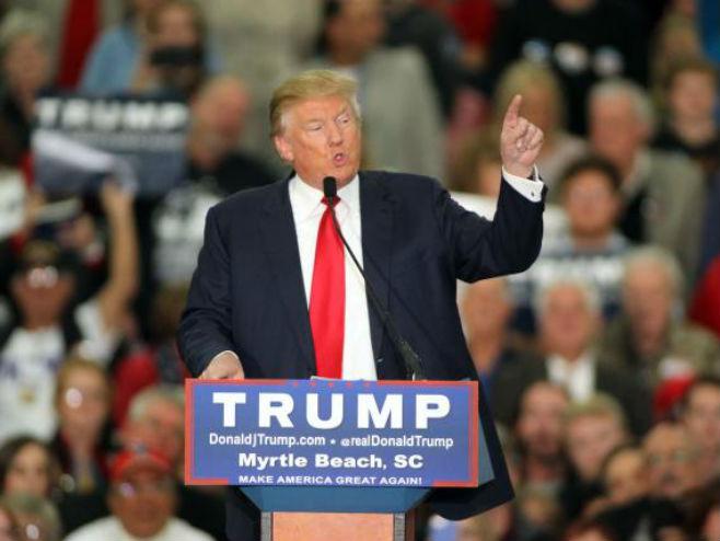 """Tramp: Muslimani bili """"ludi od sreće"""" zbog napada u SAD"""