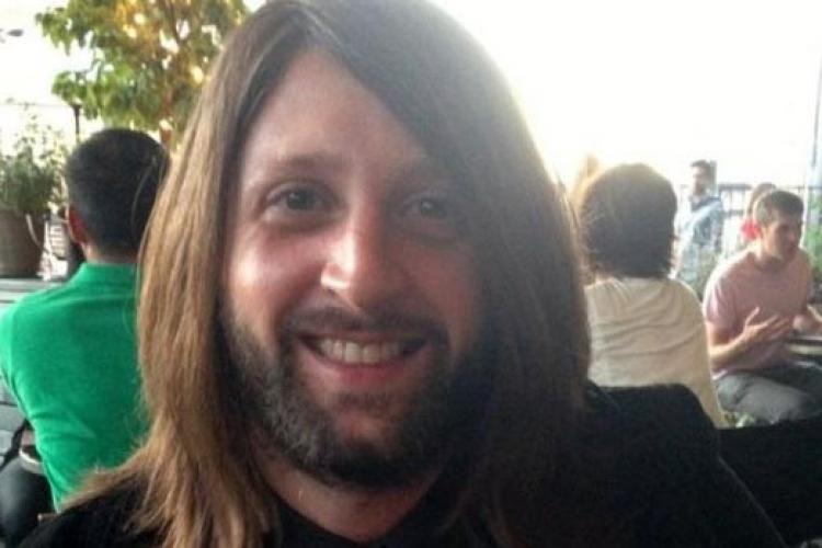 Ubijen član benda Eagles of Death Metal: Glumili smo da smo mrtvi, a onda se neko pomjerio