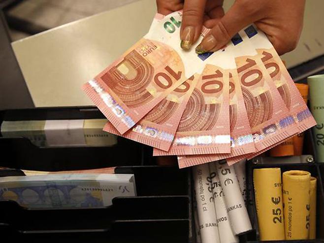 Sve zbog pakosti: Žena pocijepala milion evra!