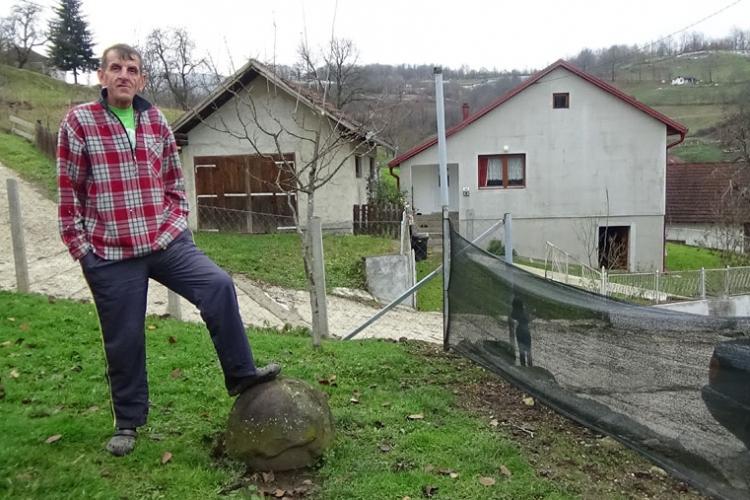 Kamene kugle u Starom Majdanu: Iz brda izviru zmajeva jaja ili meteoriti? (FOTO)