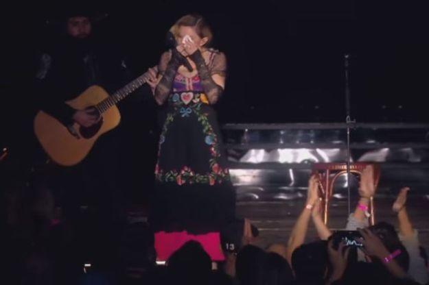 Madona u suzama održala koncert