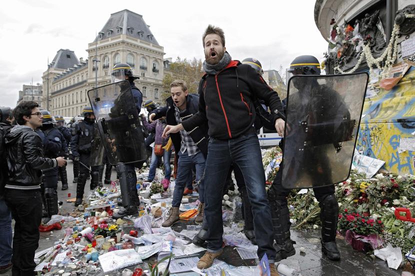Pariz: Policija ispalila suzavac na demonstrante