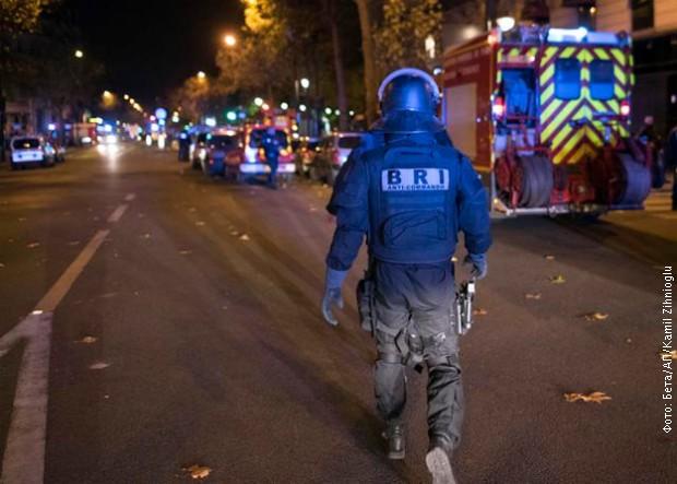 TERORISTIČKI NAPAD U PARIZU: Više od 150 poginulih, zatvorene škole i javne ustanove, vanredno stanje u cijeloj zemlji (FOTO/VIDEO)