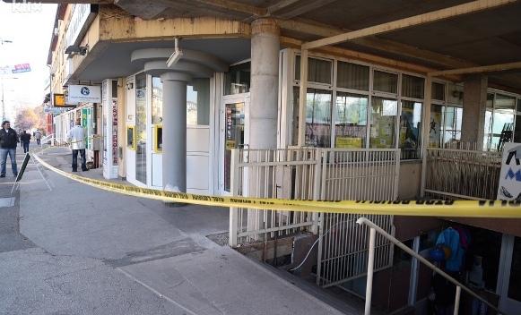 Pokušaj pljačke banke: Preminuo prolaznik koji je slučajno ranjen
