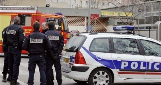 Pucnjava u Parizu: Carinik ubijen, a ranjena dva policajca