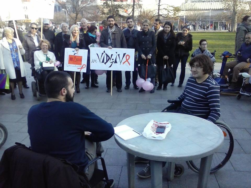 Banja Luka: Šetnjom kroz centar obilježen Međunarodni dan lica sa invaliditetom (FOTO)