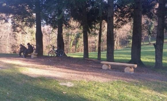 Nove klupe na Banj brdu