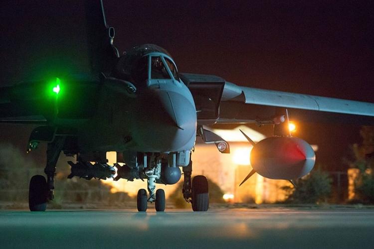 Britanija izvela prve vazdušne napade na IS u Siriji (FOTO, VIDEO)