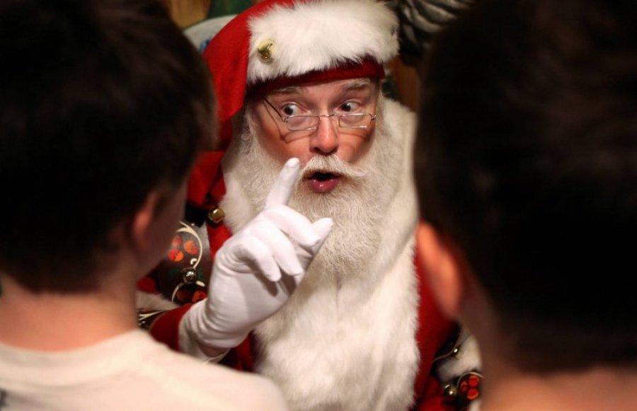 A sad, Deda Mraze, da malo platiš porez!