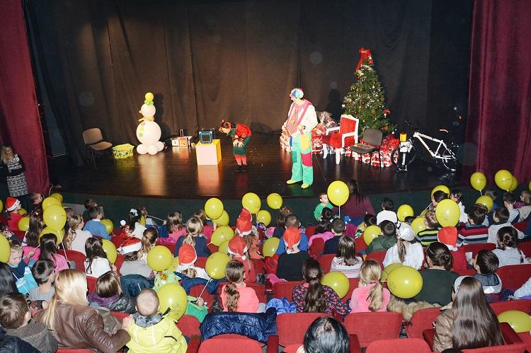 Djevojčice iz Laktaša napisala najljepše pismo Djedu Mrazu
