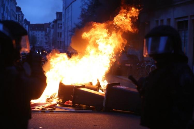 U sukobima u Lajpcigu povrijeđeno 70 policajaca