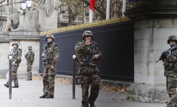 Pariz: Uhapšena žena, u lažnom trudničkom stomaku nosila bombu?