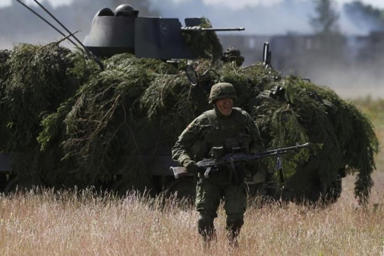 Putin opkoljava Tursku: 7.000 ruskih vojnika naoružanih projektilima poslato na granicu