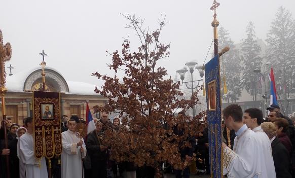 Banja Luka: U Sabornom hramu Hrista Spasitelja svečano dočekan badnjak
