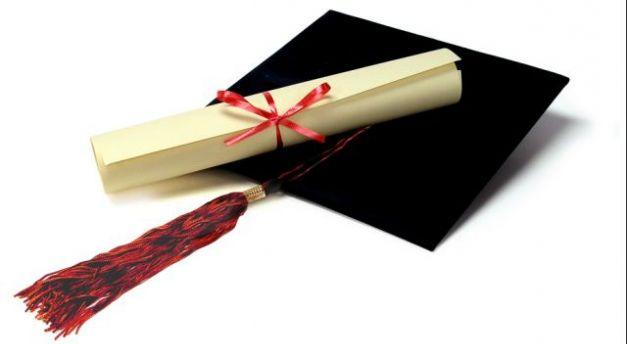 Pronašli desetine sumnjivih diploma