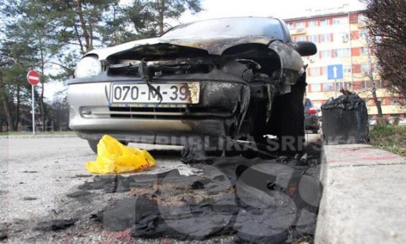 Banjaluka: Gorjelo auto u Ravnogorskoj